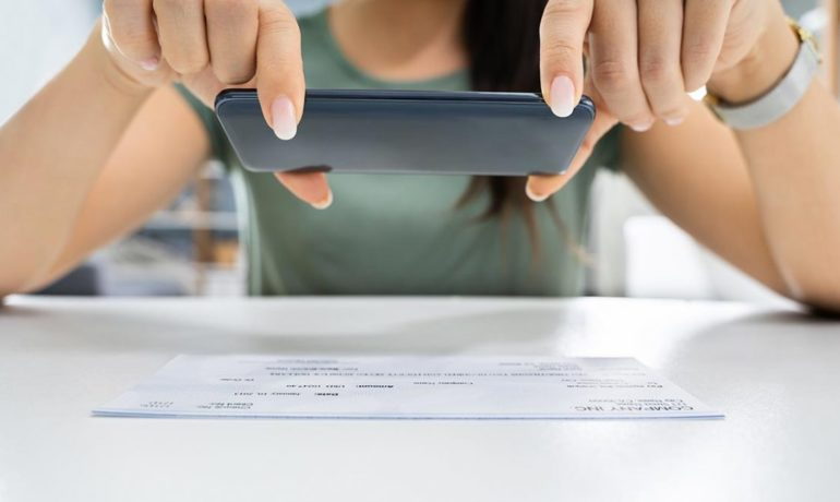 Lean bookkeeping: Deposit cheques with mobile app